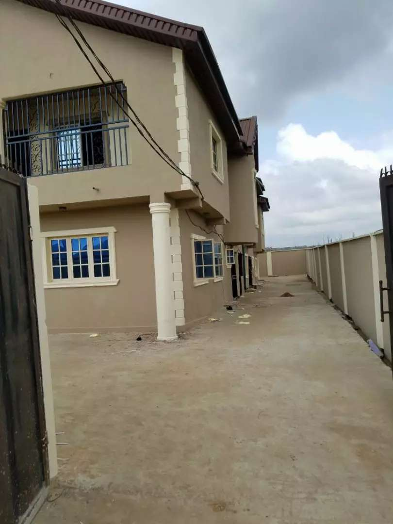 FOR SALE: 4 FLAT OF 3BEDROOMS AT GBAGADA OWORO  GRA 0