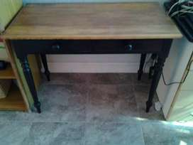 Silid Oak table with 2 drawers