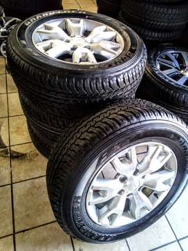 """18"""" Ford Ranger Wildtrack mags with brand new 265/60/18 Dunlop  R10500"""