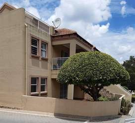 R 7,500.00 in SUNNINGHILL FOR A 2 BEDROOM Unit, AMAZING
