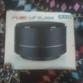 BRAND NEW WIRELESS SPEAKER FOR CHEAP QUICK SALE