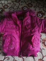 Курточка на девочку новая
