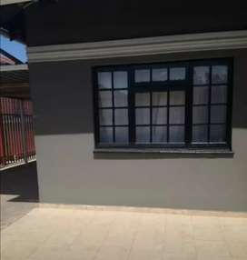 Cottage to rent in Roodepoort