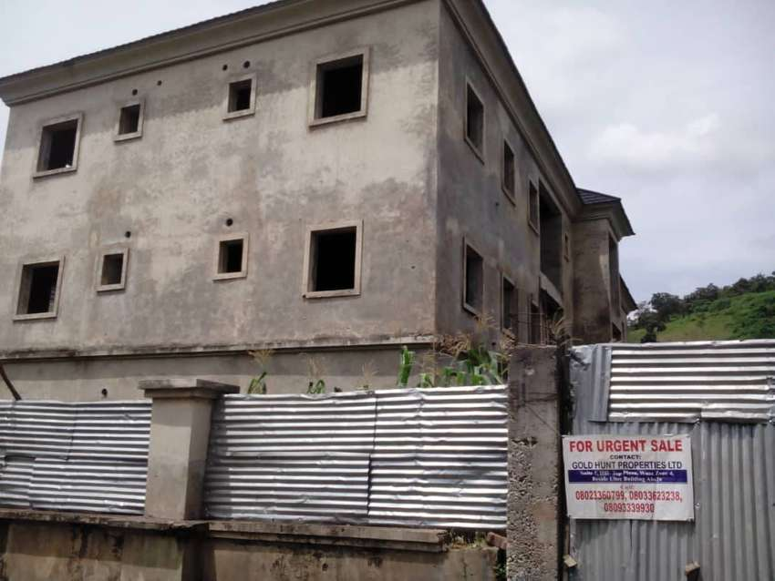 A carcass of 6units of 3 bedrooms flat in a Block for sale in Abuja 0