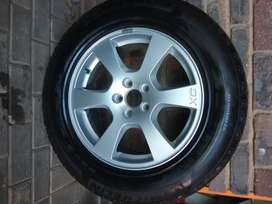 Set of 4 Aluminium Alloy mags and tyres in very good condition
