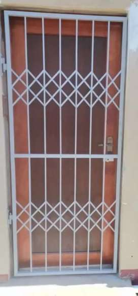 Bargain on Brand New security gates supplied