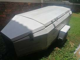Campmaster 7-Foot Town and Country 300 Trailer