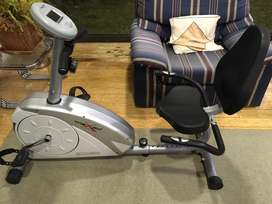 Maxed exercise seated gym bike