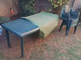 Garden plastic table with 6 chairs