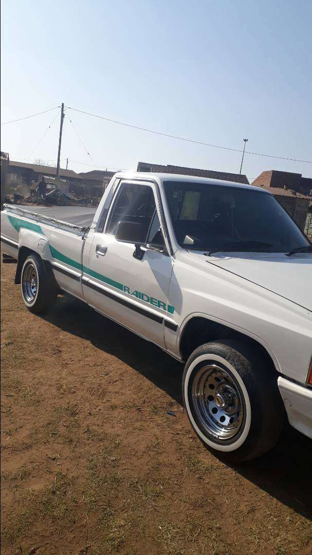 1998 TOYOTA HILUX HIPS FOR SALE 0