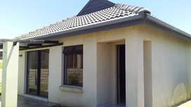 3 Bedroom Town House in Umlele Heights Kidds Beach For Sale!