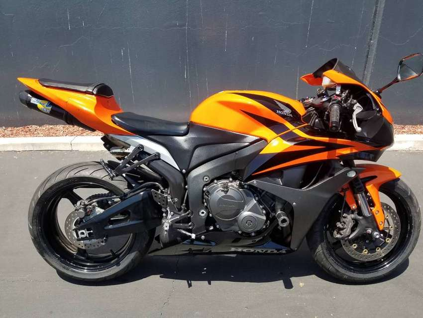 Honda cbr600rr  perfect condition 0