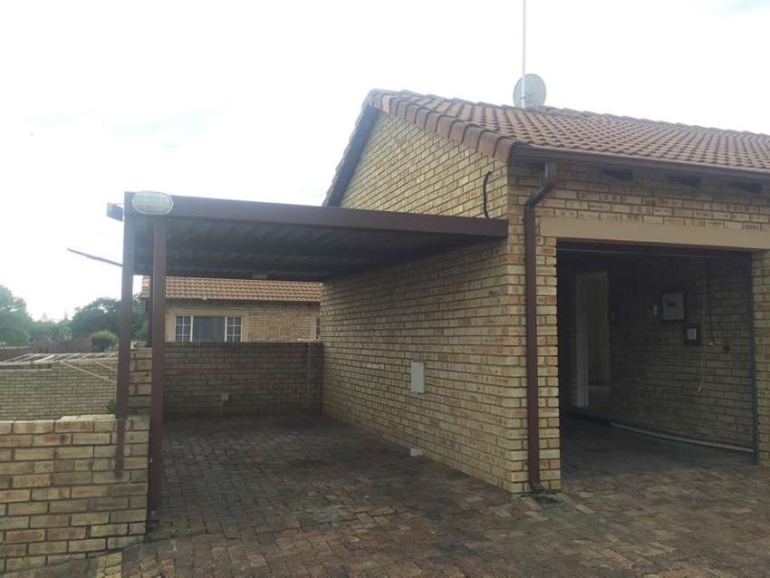 Townhouse for sale in sasolburg 0