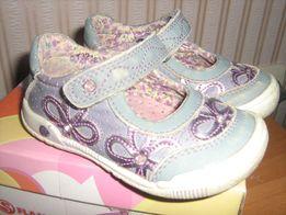 Спортивные практичные фирменные туфли на девочку Flamingo 21р (13,5см)