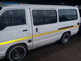I m selling my Toyota hiace 2007 model 13 seater