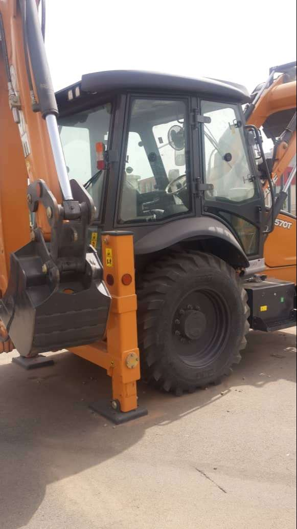 Loader backhoe 570T 0