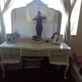 Dressing Table for R600