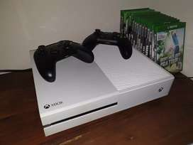 Xbox one 500gb ( white ) 30 games CASH ONLY!
