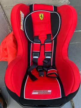 Baby carseat booster