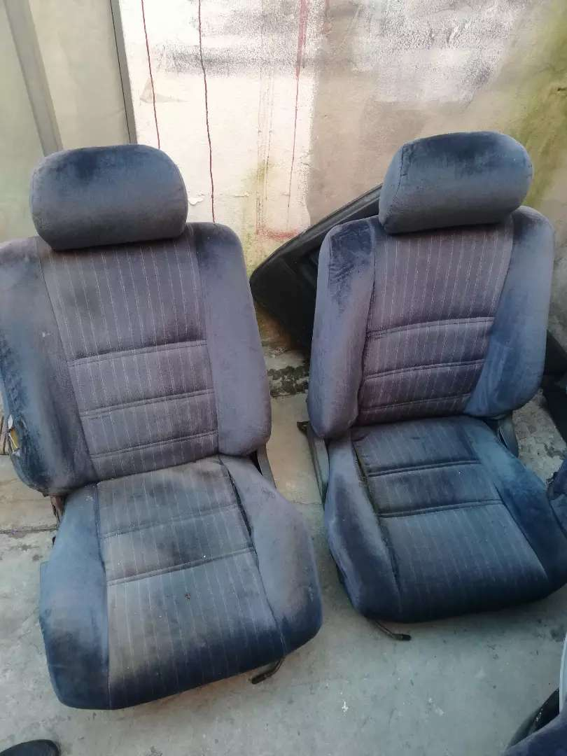 Toyota bubble 180i complete seats 0