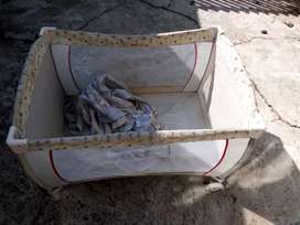 Baby clamping cot no mattress
