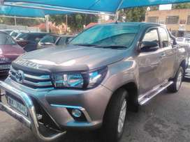 TOYOTA HILUX 2.8GD-6 EXTRA CAB MANUAL