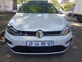 2019 VW Golf 7 RLine 1.4 Comfortline with Sunroof and leather seats