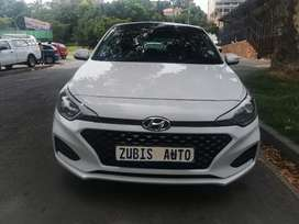 2015 HYUNDAI i20 GRAND WITH AN ENGINE CAPACITY OF 1,4