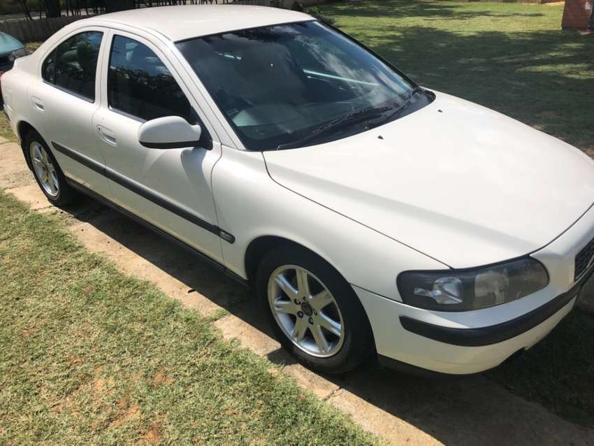 Volvo S60 2.4t 2002 for sale 0