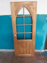 Двери межкомнатные(дерево)