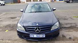 Mercedes Benz C180 kompressor leather seat and good condition