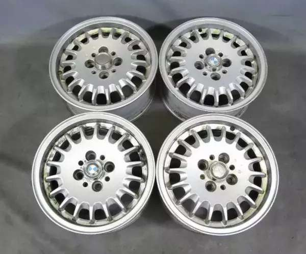 Hi there i would like to sell bmw e30 bottle cup rims 0