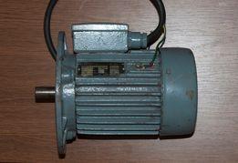 Электродвигатель 220/380 В; 0,75 кВт; 3000 об/мин. 3-фазный асинхронны