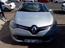 2014 Renault Clio (1.4) Manual with Service Book