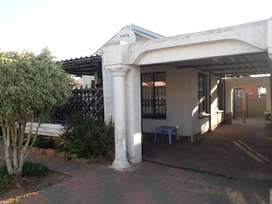Beautiful and Neat 3 bedrooms to Rent in Soshanguve vv