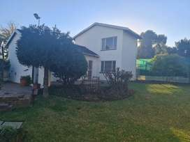 House to let with 2 bedrooms, lounge,