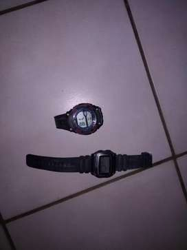 Watches for sale working only needs batteries R50 each