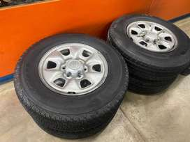 """16"""" rims and new tyres"""