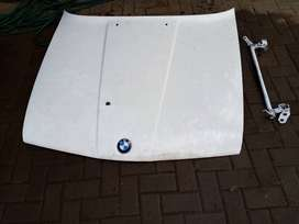 Bmw e30 hood / bonnet with latch and bolts