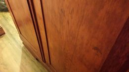 Zabytkowa dębowa szafa