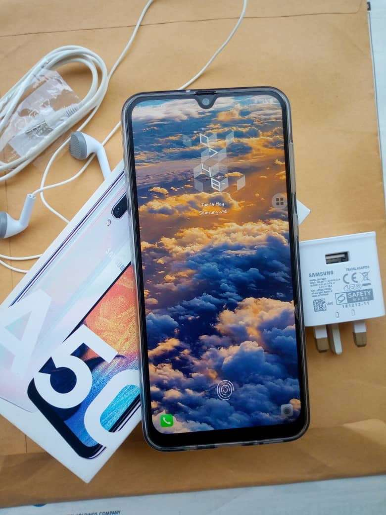 Samsung A50 128gb for sale at 105k 0