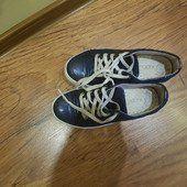 Продам туфли для девочки на платформе, в хорошем состоянии.