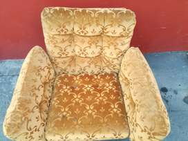 2 x single seater couches - R650 for both