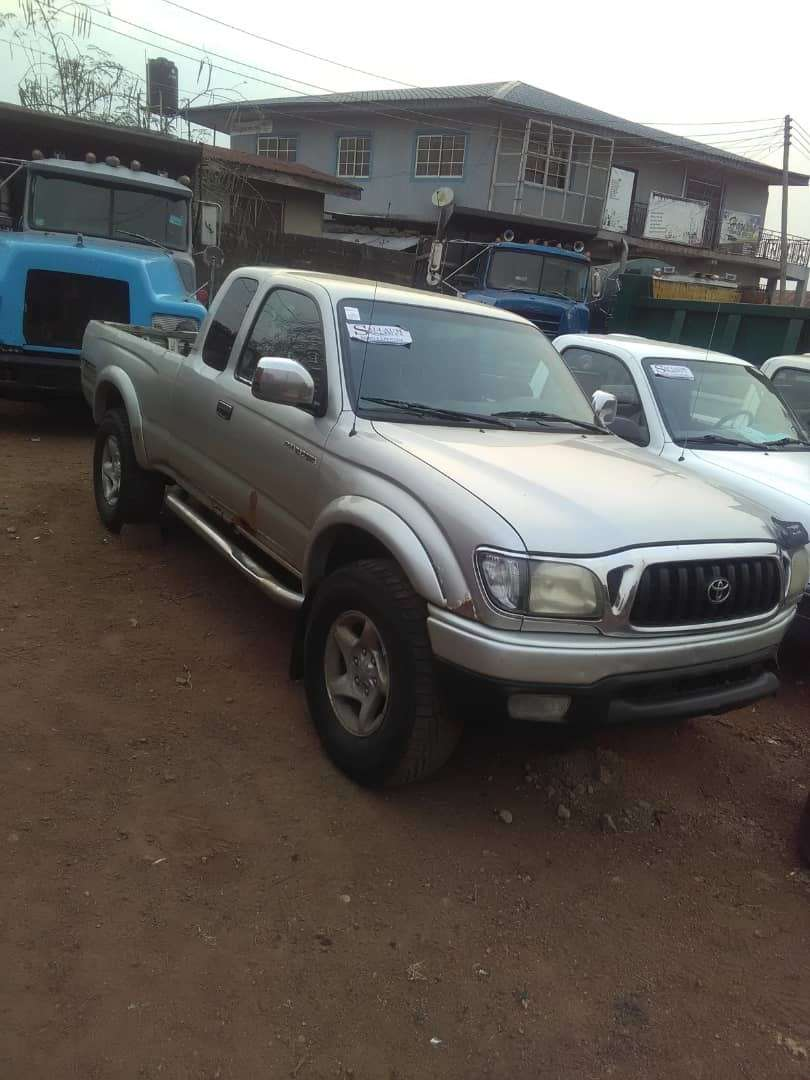 Tokunbo Toyota Tacoma with Extended Cab and Auxiliary Gear 0