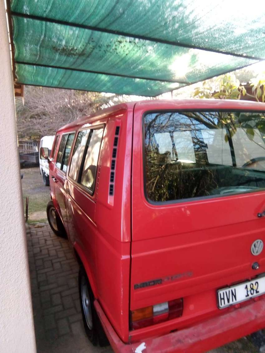 VW Microbus 2.3i for sale 0