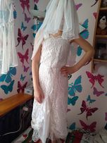 Sukienka biała dla dziewczynki z koronki
