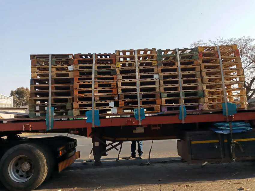 Good second wooden pallets for sale