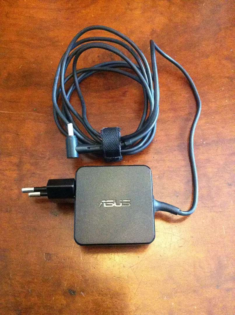Asus Vivobook Charger 0