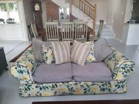 Beautiful 2 seater slipcover couch