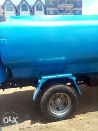 Clean water tank for sale 0